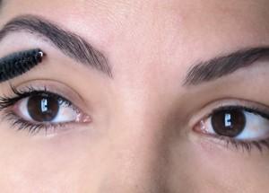Design de sobrancelhas: em busca da beleza ideal.