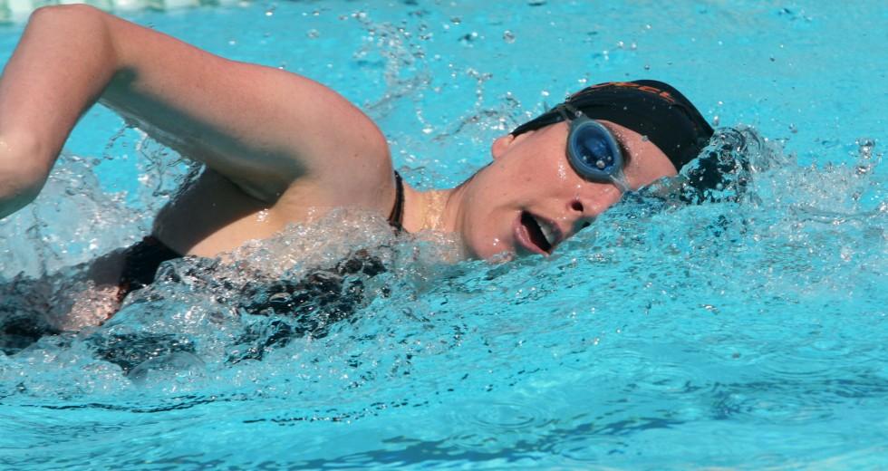 Principais benefícios da natação para mulheres.