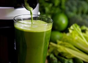 Suco verde faz bem e ajuda a desinchar