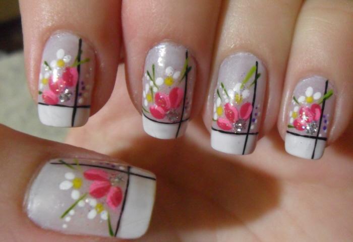 Unhas decoradas de flores: conheça a essência deste estilo