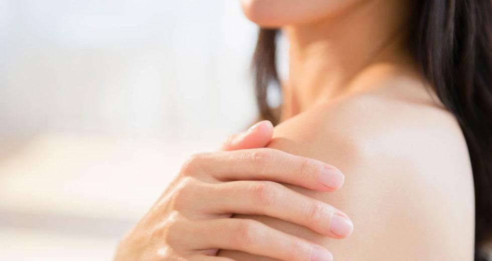 Manchas vermelhas na pele: Saiba o que pode ser