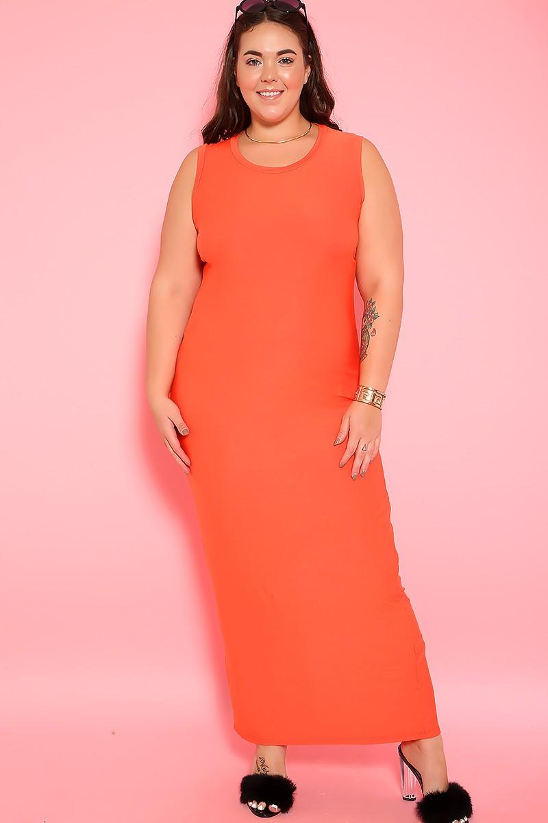 mulher usando vestido para frio laranja neon