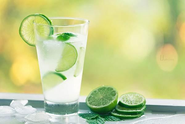 Água com limão: conheça todas as vantagens