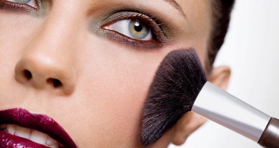 Contorno facial: aprenda o ideal para cada tipo de rosto