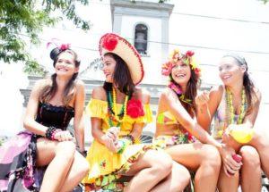 Fantasia de carnaval feminina: Princesa, baiana, heroínas, animais, criativas, com as amigas e mais inspirações! (COM FOTOS)