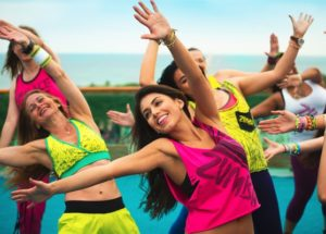Zumba: Conheça todos os detalhes dessa dança e comece a praticar!