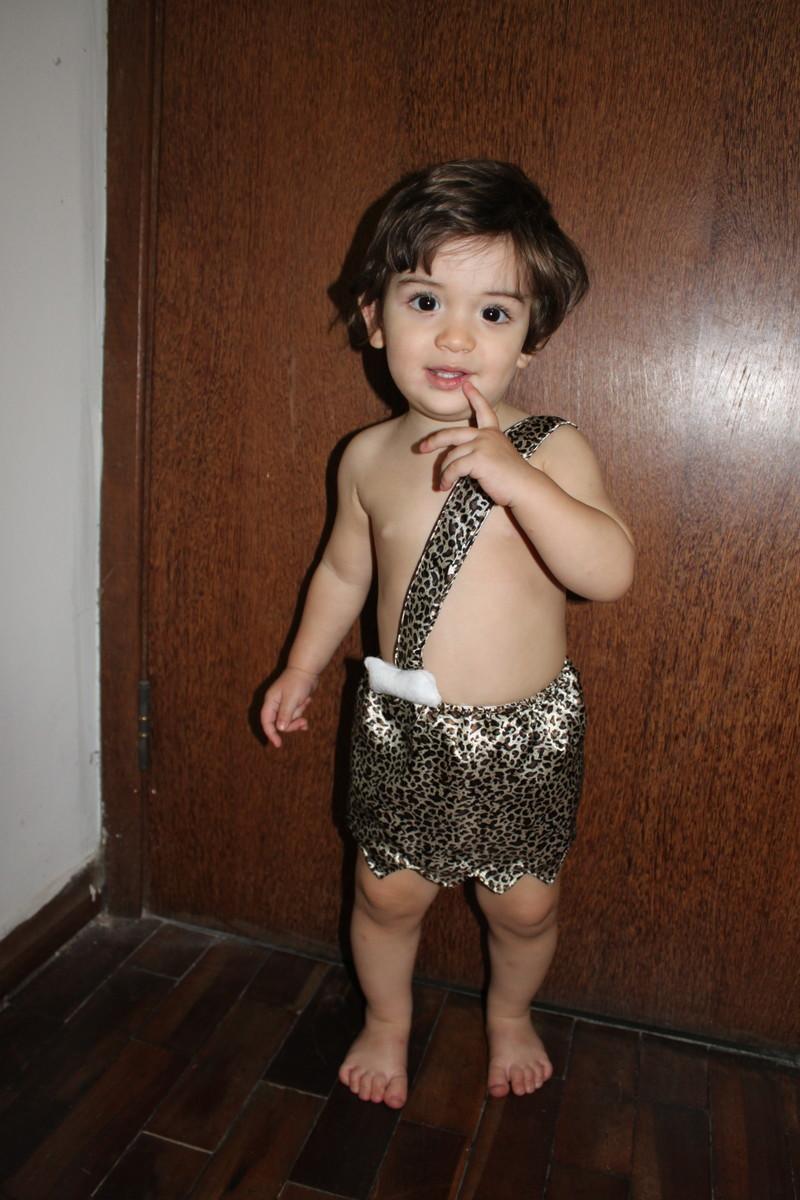 criança usando fantasia de carnaval para bebê do bambam