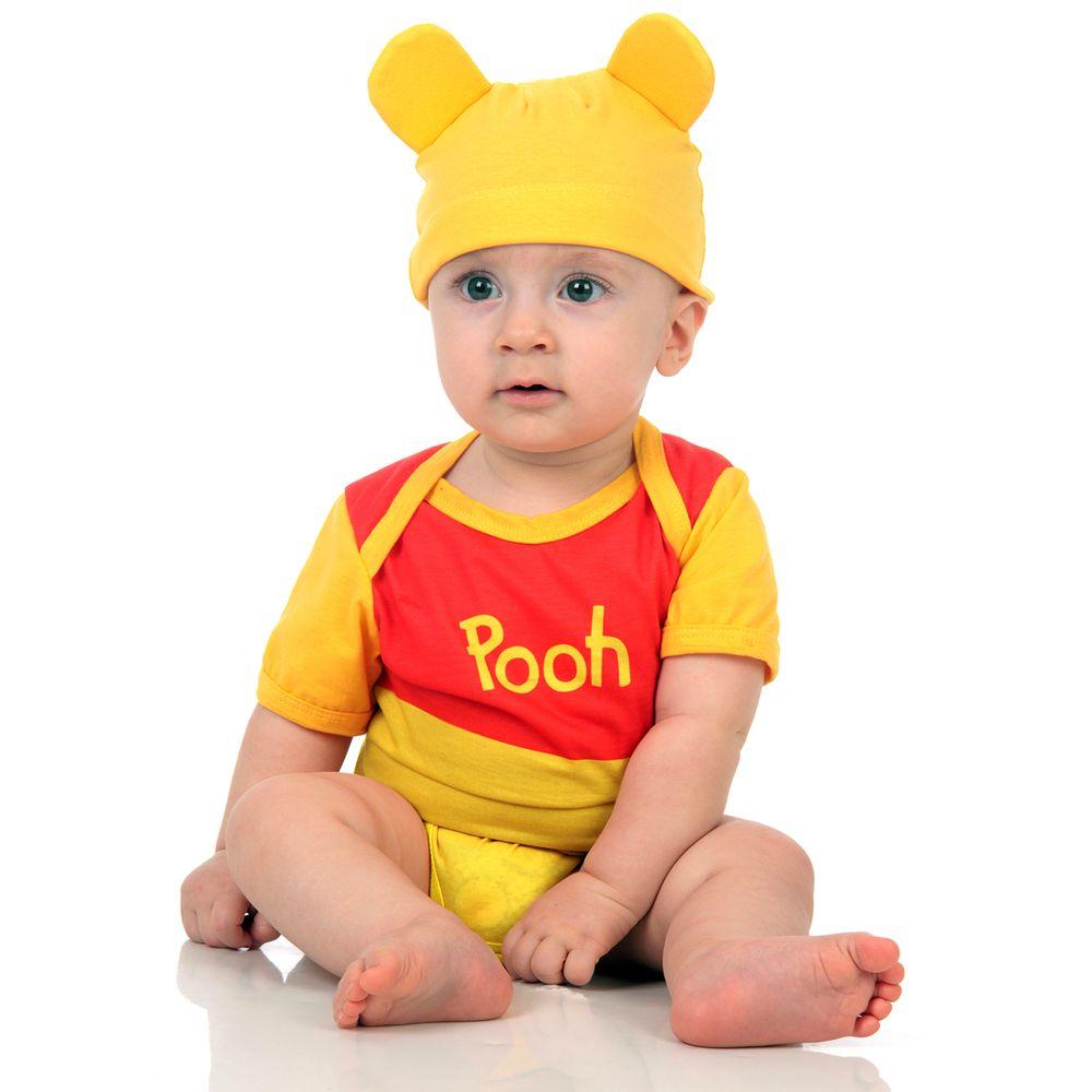 bebe usando fantasia de carnaval para bebes do ursinho pooh