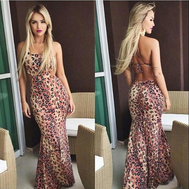 modelo de vestido longo estampado estilo sereia