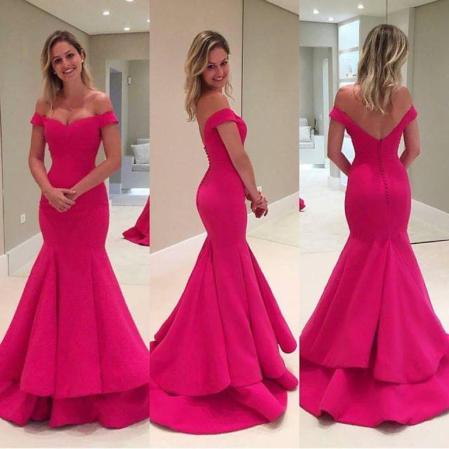 Vestido de formatura rosa longo aberto nas costas