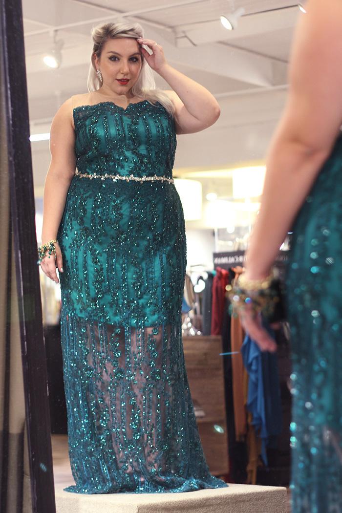 modelo de vestidos de formatura plus size falso curto
