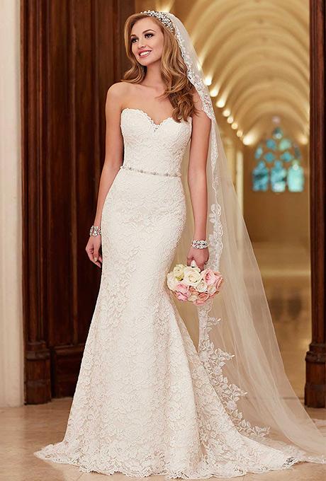 modelo de vestido de noiva sereia com véu
