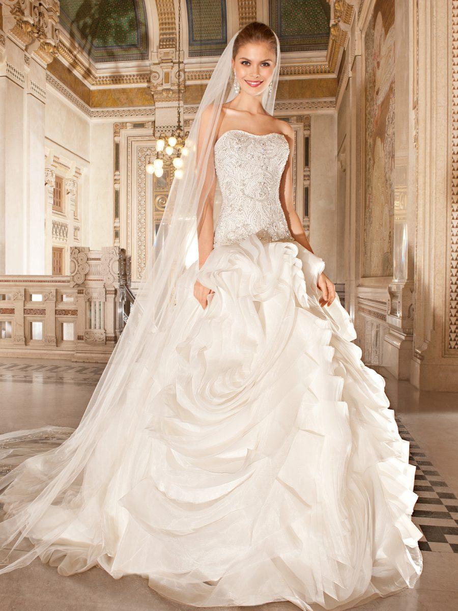 vestido de noiva tomara que caia tipo princesa