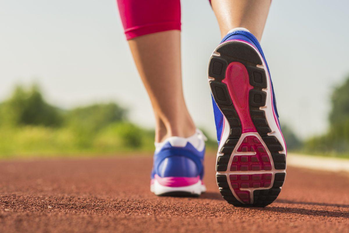 exercícios para queimar calorias caminhada