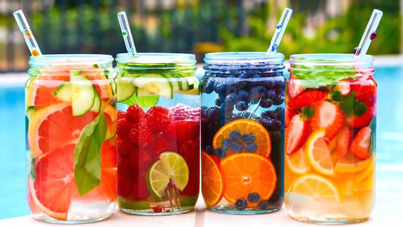 Água aromatizada: O que é? Quais os benefícios? Como fazer?