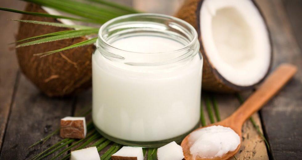 Óleo de coco: Saiba mais sobre o prensado a frio ou em cápsulas e os benefícios para a pele e para o cabelo!
