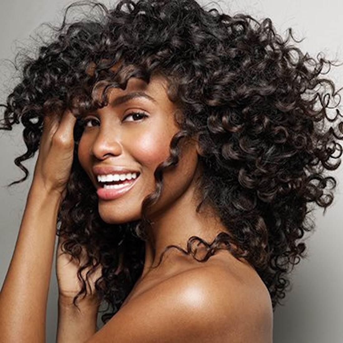 cortes cabelo médio cacheado