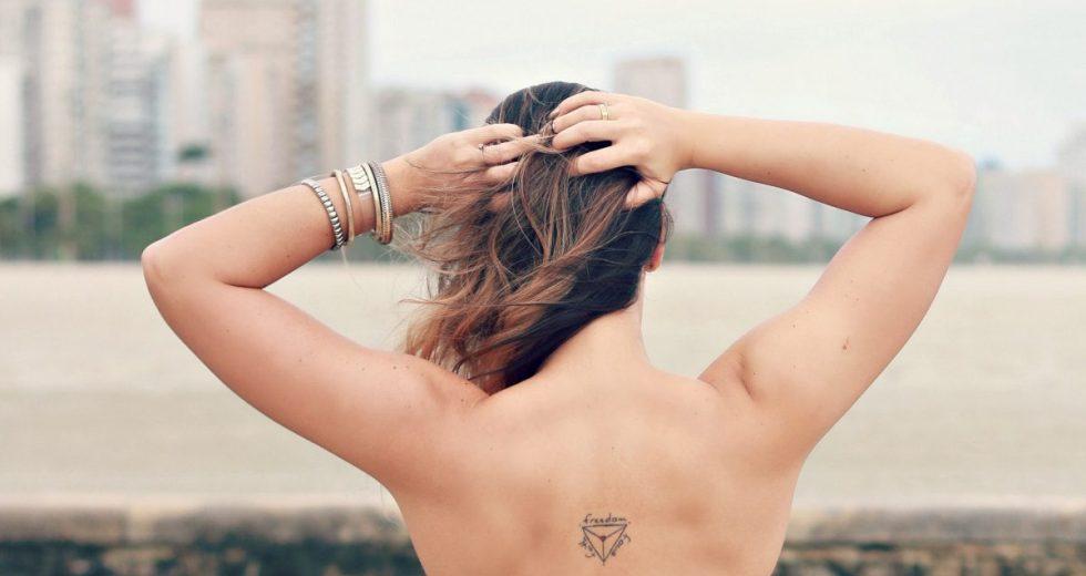 Tatuagens delicadas: Ideias e dicas incríveis para fazer a sua!