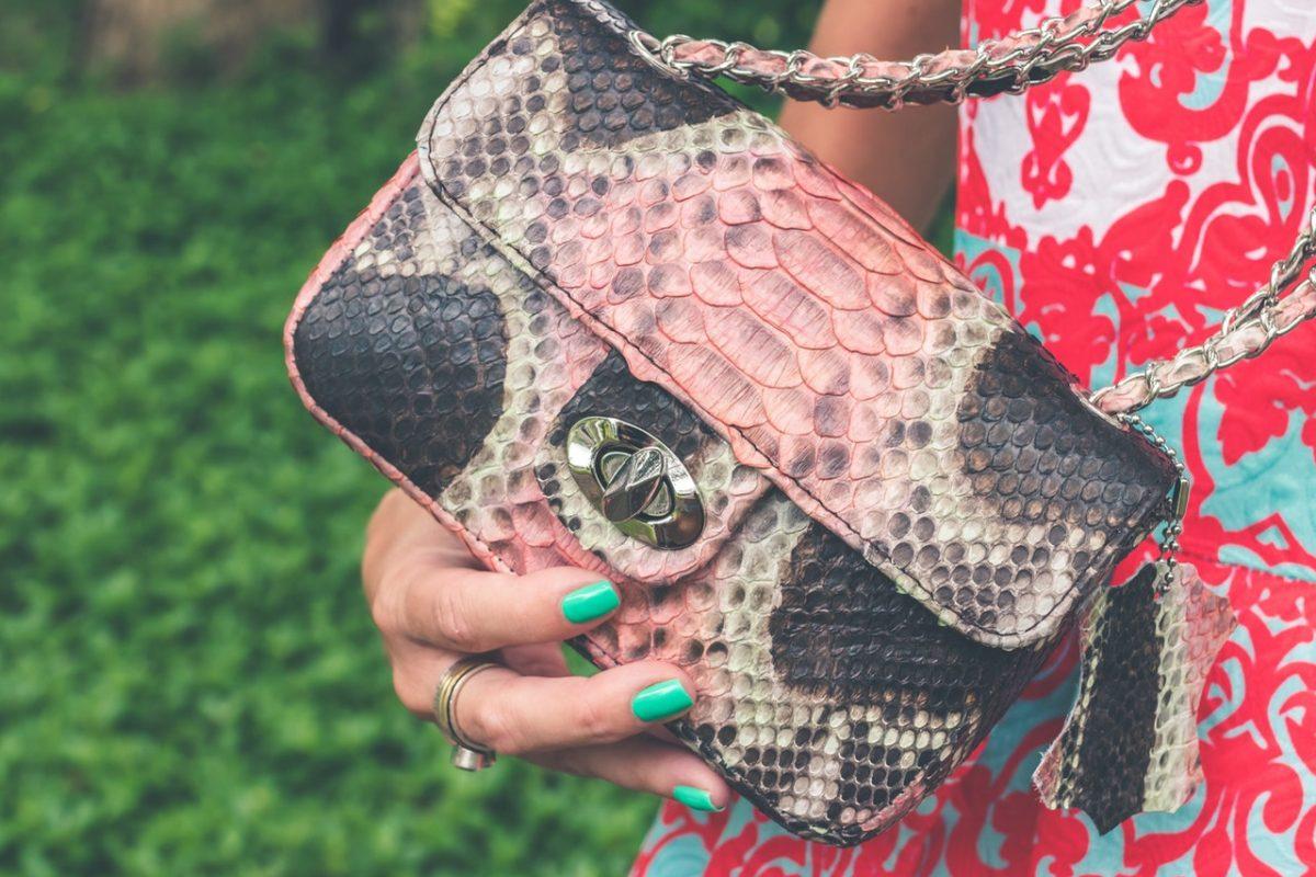 modelo bolsa de mão