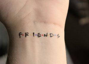 Tatuagem no pulso: 30 fotos (INCRÍVEIS!) para você se inspirar!