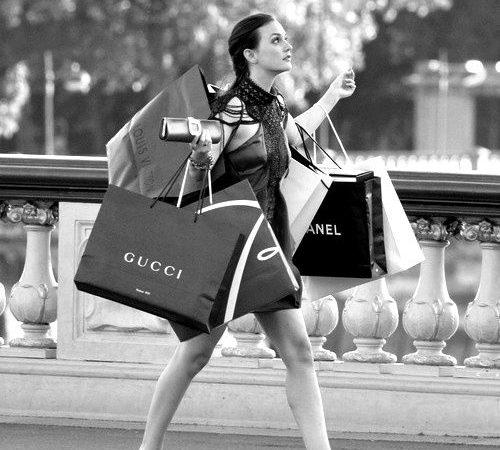Comprar roupas na Black Friday: Saiba as melhores dicas para não entrar em uma furada!