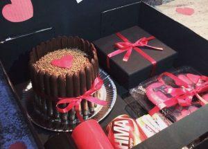 Festa na caixa: Como montar? Dicas para festa na caixa simples, romântica e para aniversário!