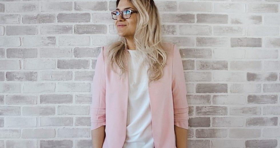 Blazer feminino: Qual modelo valoriza cada tipo de corpo? Blazer preto, colorido e alongado. Como usar blazer preto?