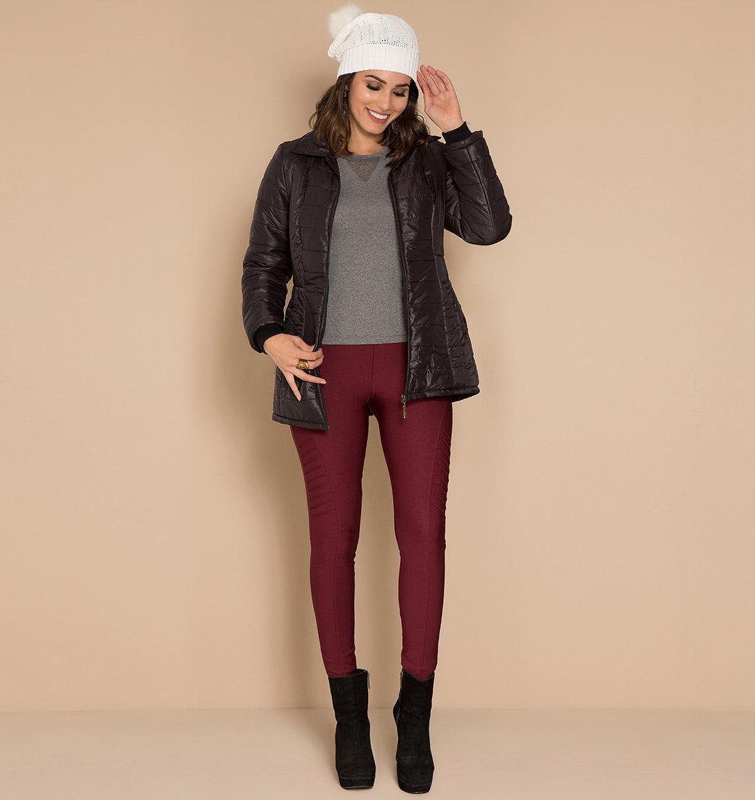 menina vestindo roupa de inverno