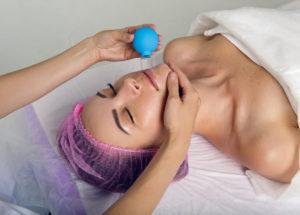 Facial cupping: O que é? Como é feita? Quais são os benefícios? É segura? Contamos tudo que você precisa saber!