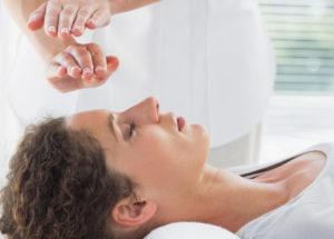 Reiki: Conheça a origem, benefícios e como funciona essa terapia!