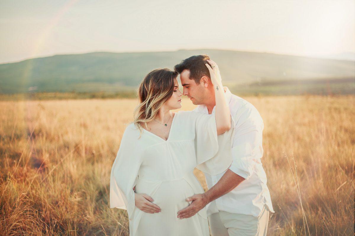 foto de casal no campo
