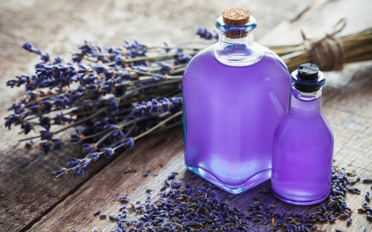 frasco do óleo de lavanda